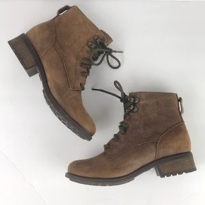 UGG EUC lace up brown boots